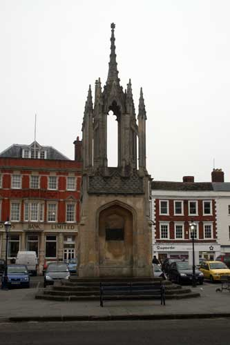 Ruth Pierce monument - Market Cross